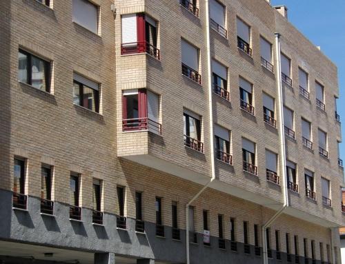 Habitação Coletiva e Comércio São Mamede Infesta